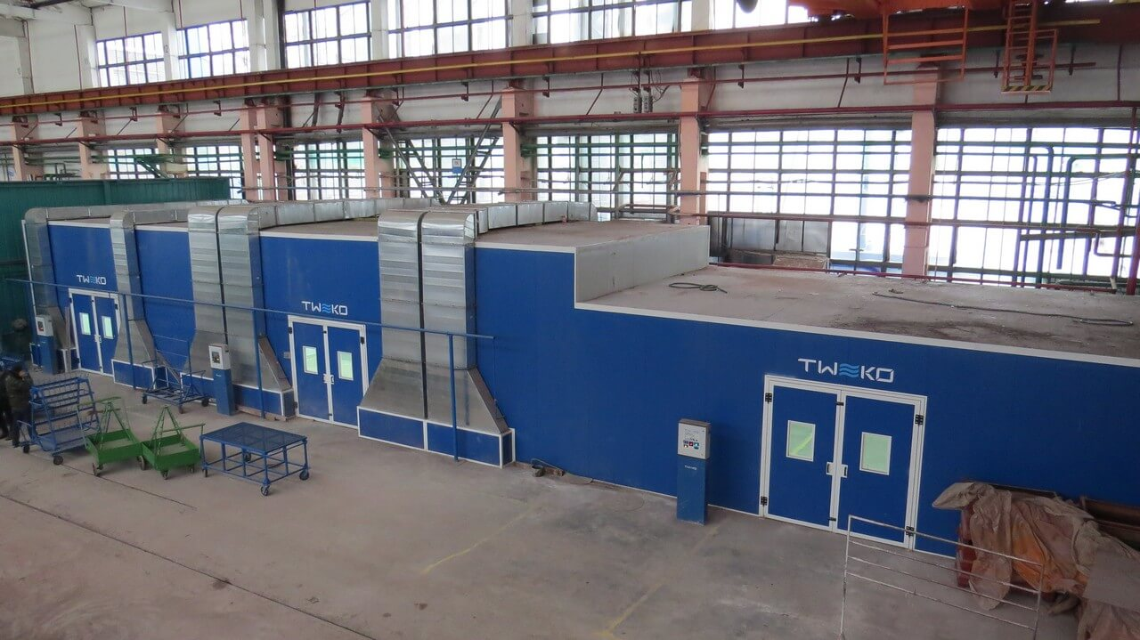 PAINTING COMPLEX FOR GENERAL ELECTRIC DIESEL LOCOMOTIVES AT KRYUKOVSKY RAILWAY CAR BUILDING PLANT