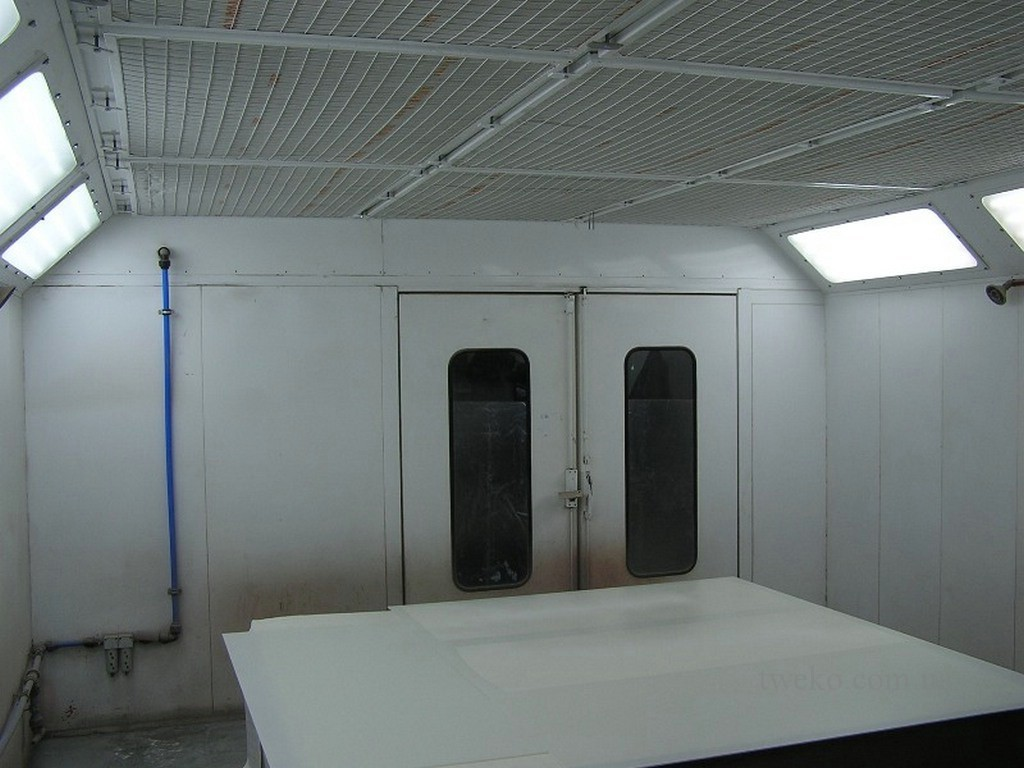 BROWN – PAINTING CHAMBER FOR FURNITURE
