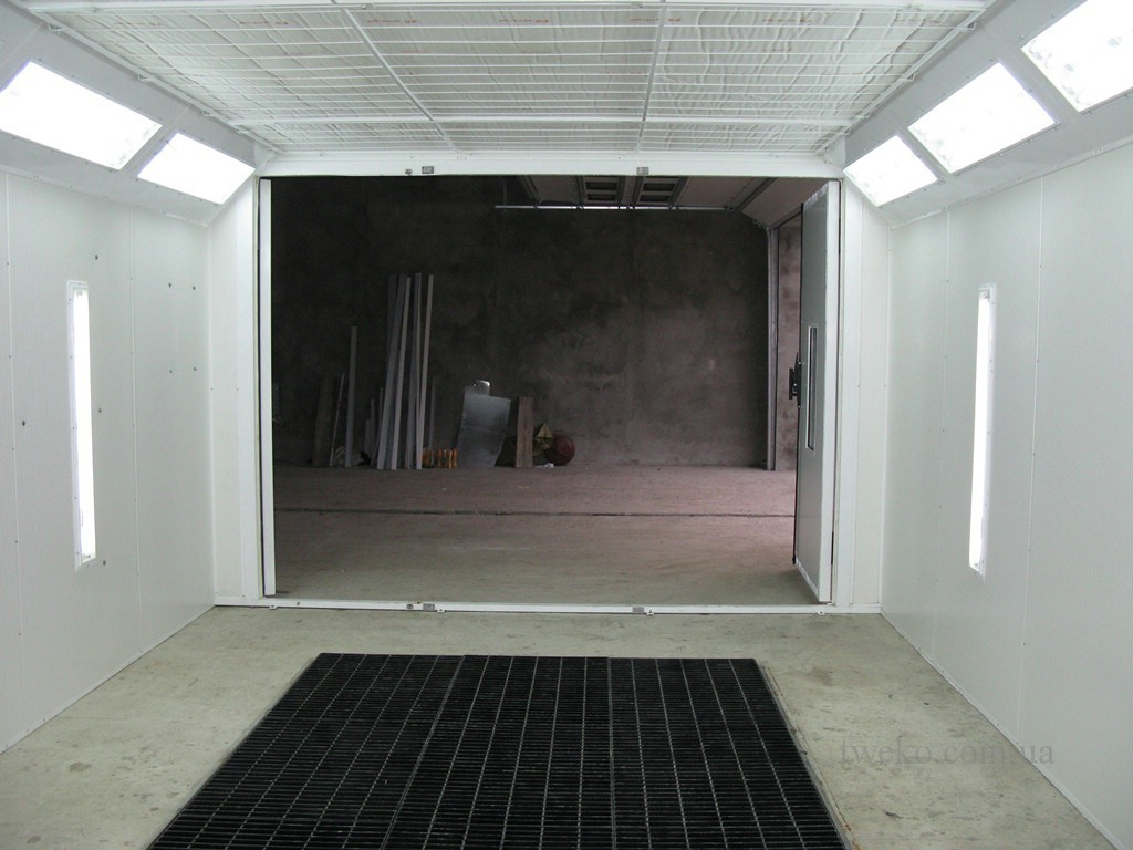 EISENSTADT – PAINTING CHAMBER FOR CARS