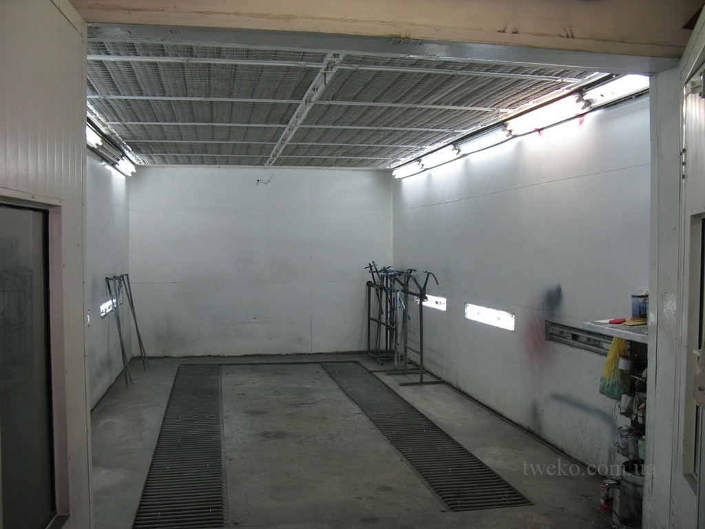 SEMENYUK – PAINTING CHAMBER WITH OVERHEAD UNITS