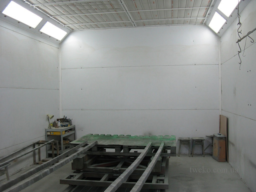 UKROBORONSERVICE – PAINTING AND DRYING CHAMBER